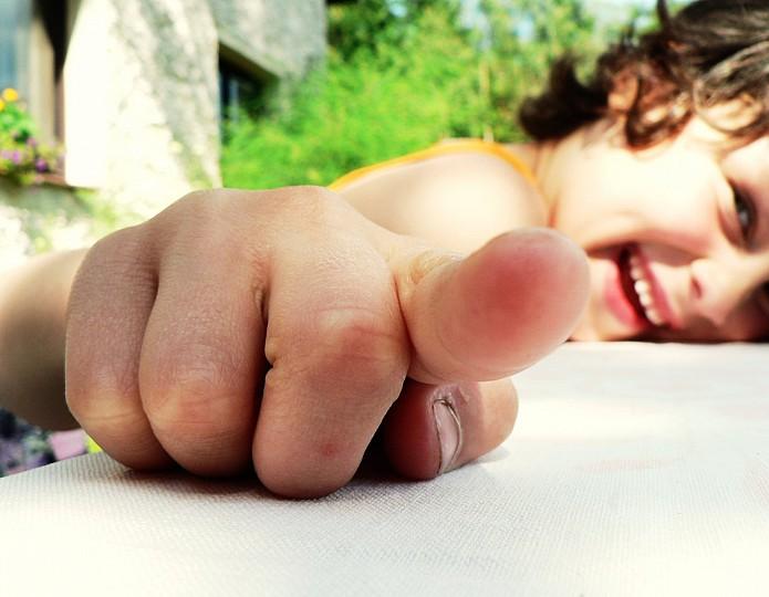 Hoe je kunt lachen om je tegenslagen