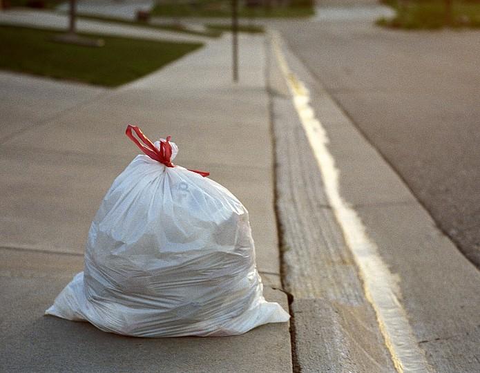 Stop je zorgen in een stijf vuilniszakje