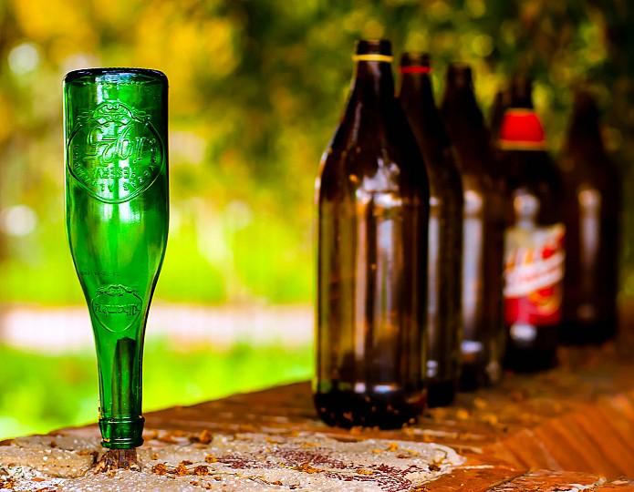 Oordelen en de man met het flesje bier